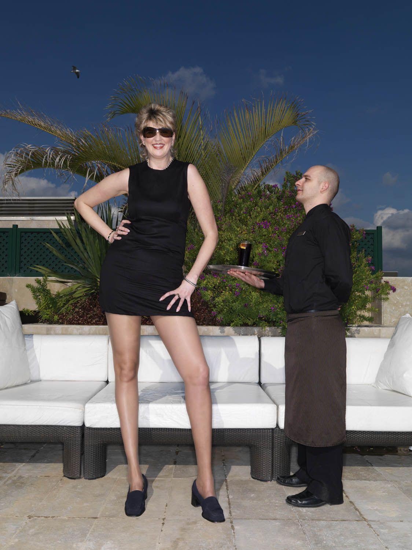 Самый большая ступня у девушки 17 фотография